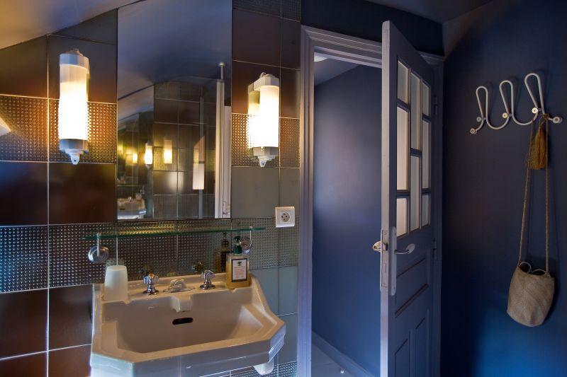 chambres d 39 h tes ou g te de charme pour 8 personnes millau millau aveyron. Black Bedroom Furniture Sets. Home Design Ideas