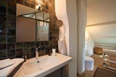 Salle de bain de la chambre TROIS