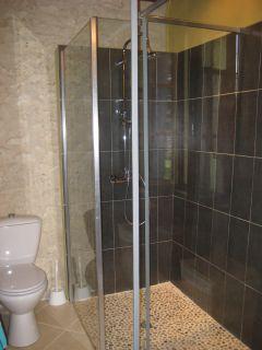salle de douche + WC gîte