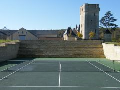 Tennis avec vue sur le donjon