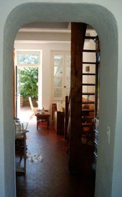 salon et accès à l'étage