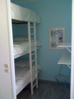 3 lits superposés :la 'cabane' des enfants