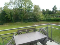 Balcon avec vue sur parc