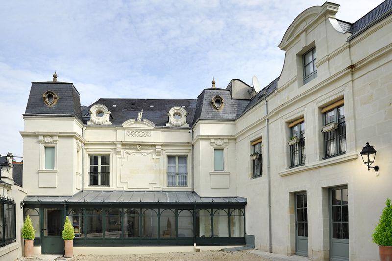 façade de hôtel la Boule d'Or,Chinon, France