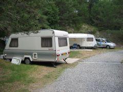 Grands emplacements pour caravanes