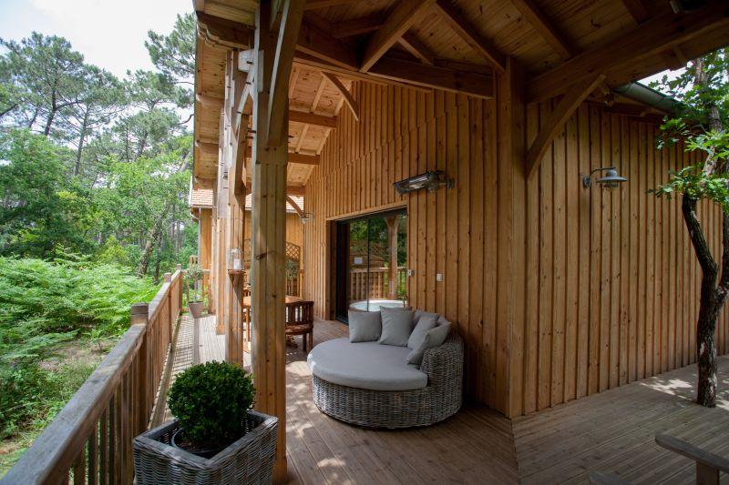 la cabane au bord du lac g te. Black Bedroom Furniture Sets. Home Design Ideas