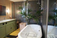 Salle de bains de la 2nde suite du 1er étage.