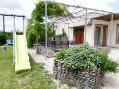 terrasse côté jardin verger