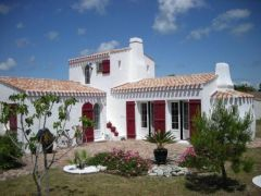 Les Volets Rouges, une maison typique de l'ile