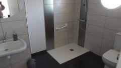salle d'eau chambre moderne