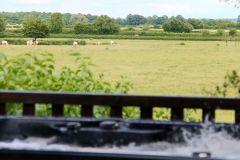 Le jacuzzi privatif avec vue panoramique