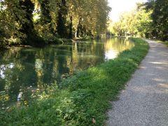 le chemain et le canal