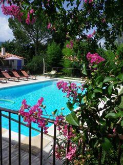 Villa provençale offrant belles prestations, piscine et jacuzzi