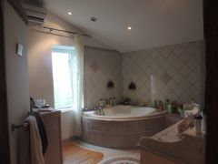 grande salle de bain Naurine