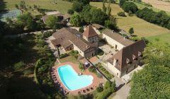 Chambres d'hôtes de charme du Château de Missandre avec tennis, piscine et randonnées équestres