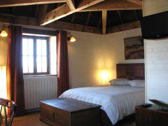 Chambre Tpourterelle, côté lit