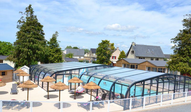 La piscine chauffée et couverte