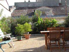 Une Chambre D'hôte Dans un Appartement Situé Au Coeur De Bordeaux
