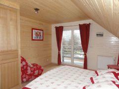 chambre étage. lit 160 + 90. accès balcon