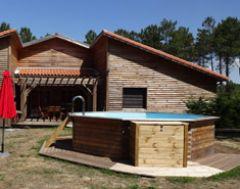 entrée gîte Millas, jardin privatif + piscine privative