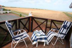 Terrasse 10 m2 en bois exotique.