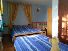 chambre 1 lit 2 p et 1 lit 1 p + bébé