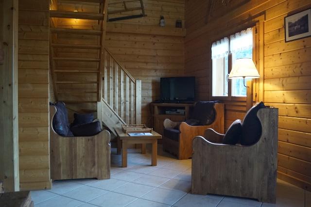 magnifique chalet de montagne tout bois ambiance cocooning proximit voie verte et lacs. Black Bedroom Furniture Sets. Home Design Ideas