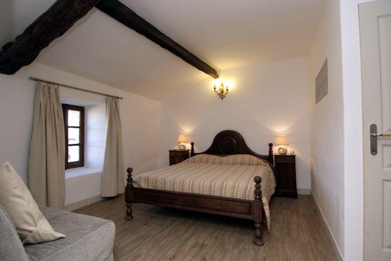 Authentique b tisse de pierre en luberon chambre d 39 h tes - Chambres d hotes ardeche verte ...