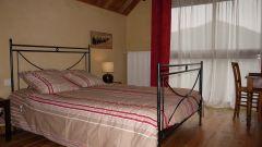 chambre avec lit de 140 ...