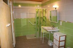 la salle de bains adaptée