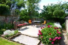Jardin privé ensoleillé