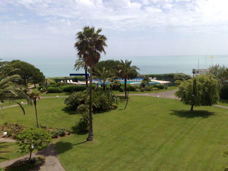 Parc et Piscine Hotel Bahia, Villeneuve loubet plage