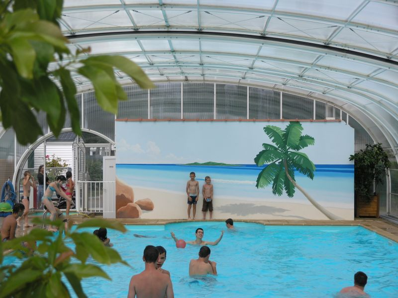 Camping les fosses rouges camping for Piscine chateau d olonne