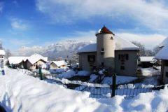 Mairie de lathuile en hiver