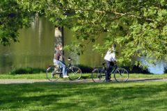 Balade en vélo au bord du lac