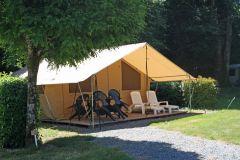 La tente meublée