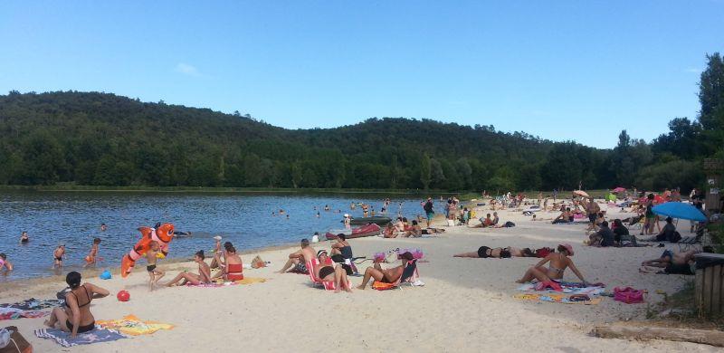 Plan d'eau camping du lac de grolejac