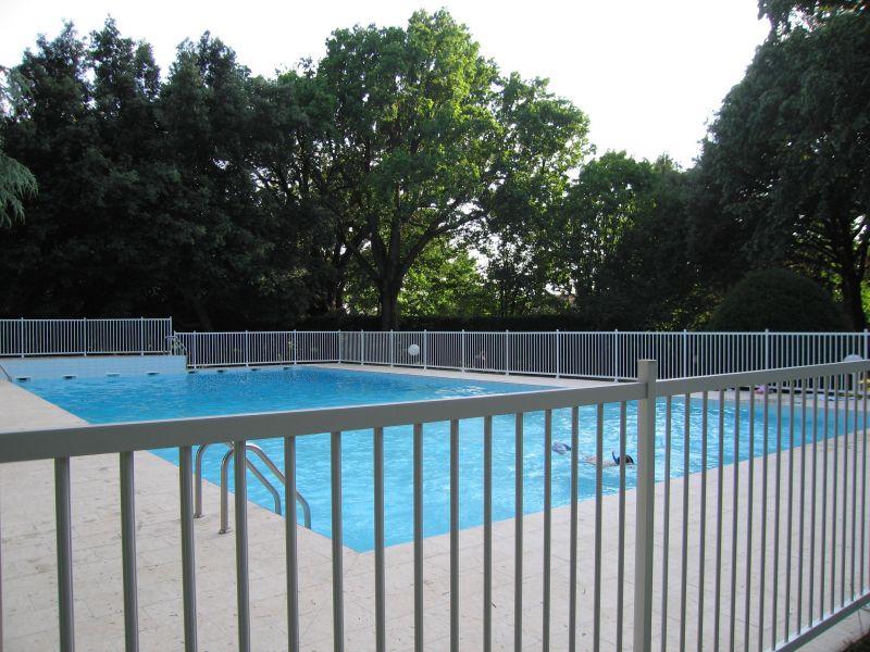 piscine 25x10 dans parc centenaire