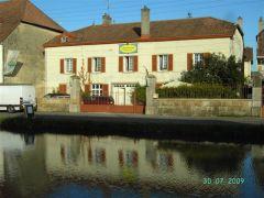 Maison au Canal