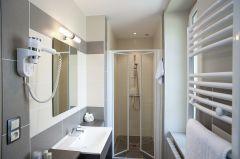 Salle de bains chambre supérieure