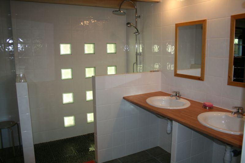 La villa du golf 14 personnes maxi b b s piscine for Douche al italienne moderne