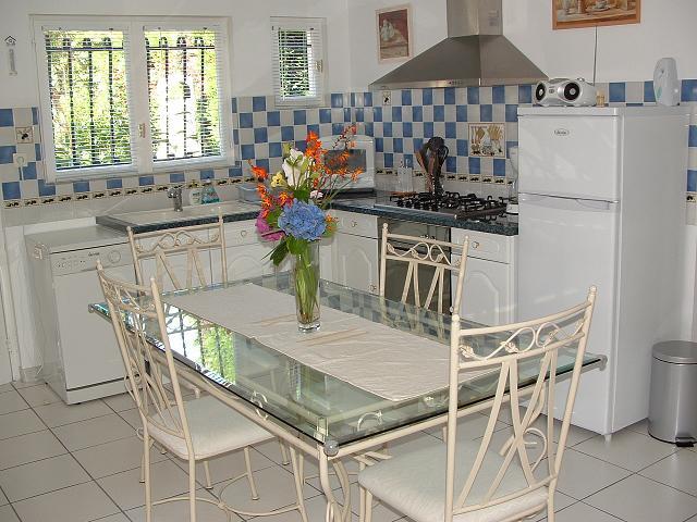 gite bassin d 39 arcachon avec piscine couverte et chauff e. Black Bedroom Furniture Sets. Home Design Ideas