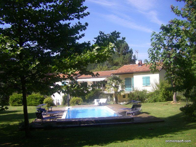 villa avec chambres d'hôtes