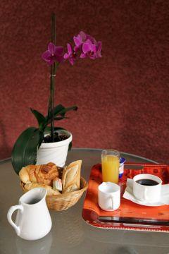 hotelerie-service-petit-dejeuner-aquitaine