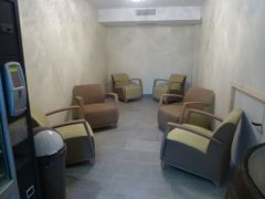 Salon accessible par tous les clients de l'hotel.