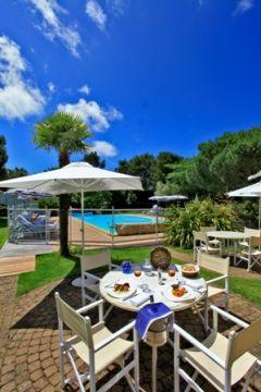 Terrasse et carte piscine