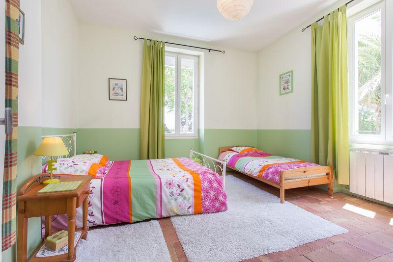 Loustalou maison 7 pers avec jacuzzi et piscine chauff s b ziers h rault - Chambre avec jacuzzi privatif herault ...