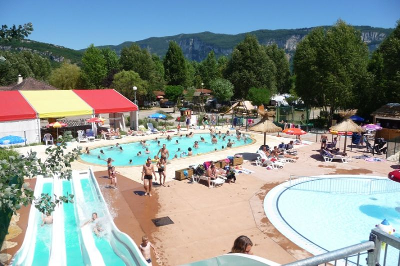 Camping ile de la comtesse camping for Camping lac du bourget piscine