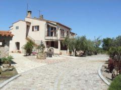 Studio dans mas provençal à 7Km de St Tropez, 1Km de la voie verte