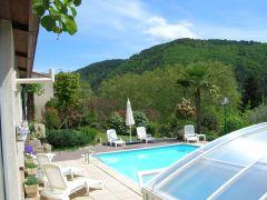 Les Echamps gîte 3*** piscine privée couverte, 6/8 pers vue dégagée sur les collines